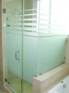 Heavy Glass Hinged Shower Enclosure with Decorative Glass